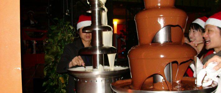 パラサイヨのクリスマスパーティには、実績があります!(または「パラサイヨのクリスマスパーティが、これまでどんな変遷を遂げたか」)