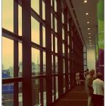 ヒカリエホールの大きな窓