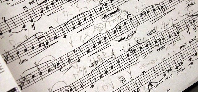 楽譜さらっと検索して、1曲単位で買えるってのは、いい時代だなぁ。